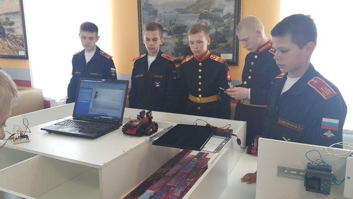 Выставка «Инновации суворовцев»