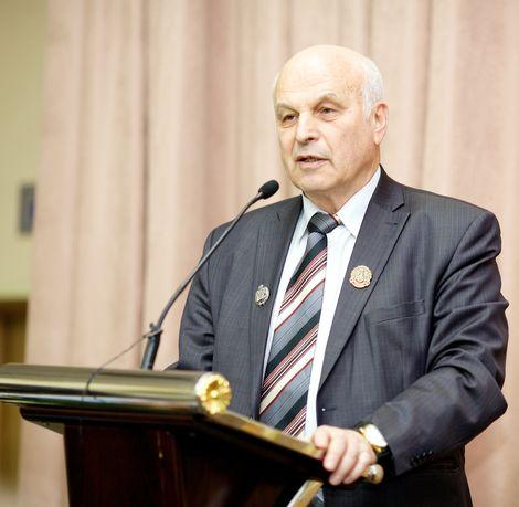 Поздравляем с 55-летием трудовой деятельности Голосмана Евгения Зиновьевича!